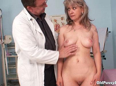 Lady Alena Kinky Treatments During A Gynochair Exam Hardcore